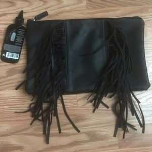 Handbags - 💛 Clearance Sale 💛 NWT leather & fringe clutch